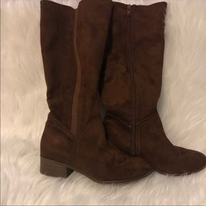 UNIVERSAL THREAD brown riding boots